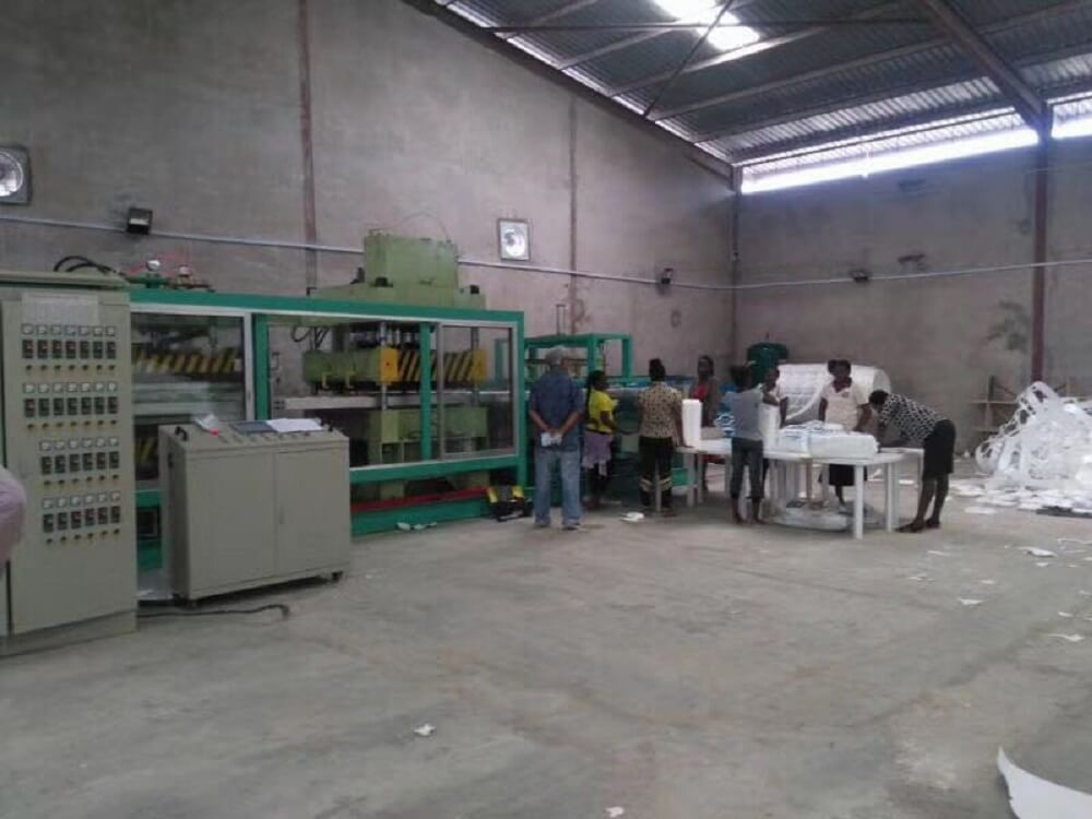 foam container forming machine